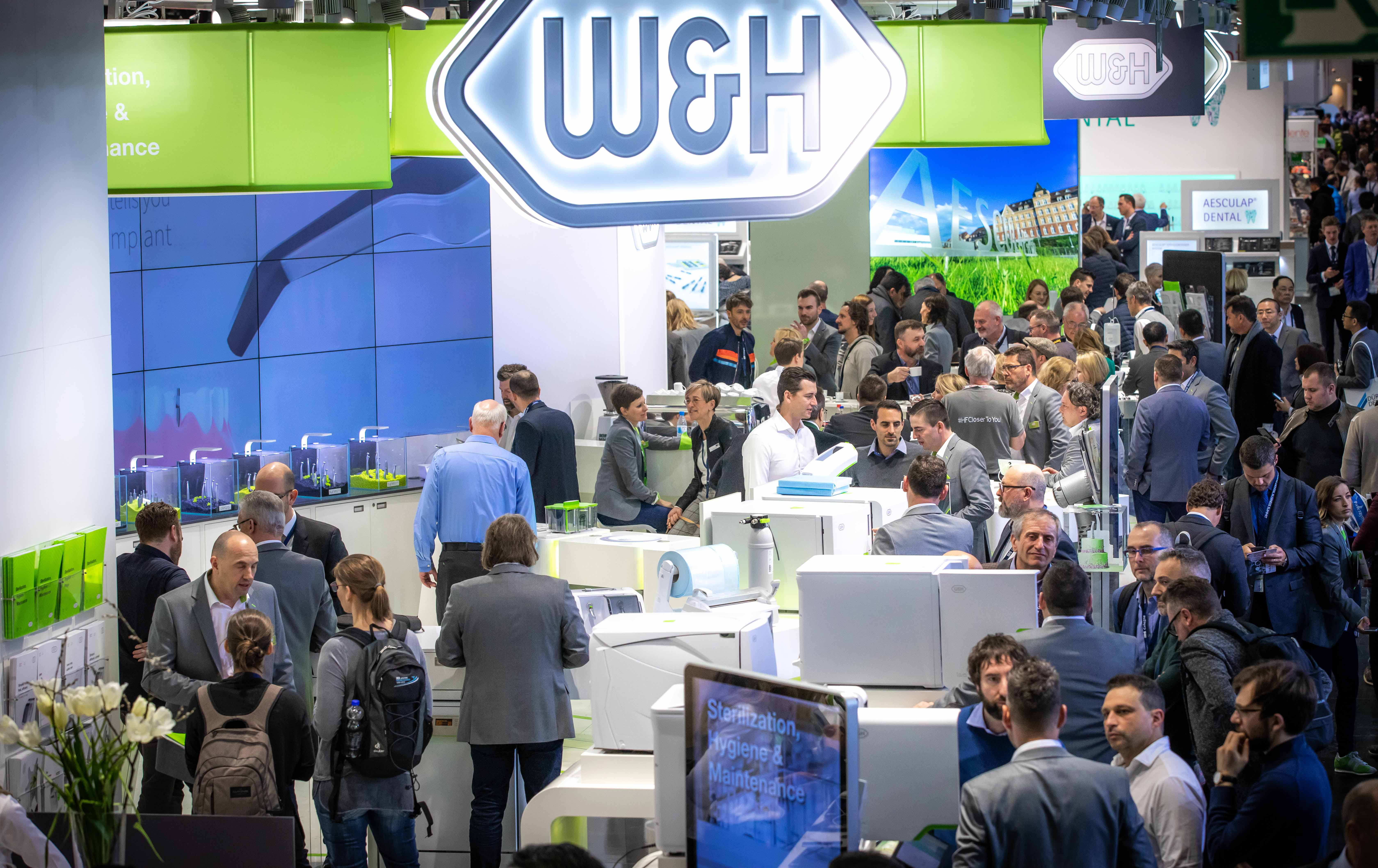 The new look and feel of the W&H trade fair booth impresses trade visitors.